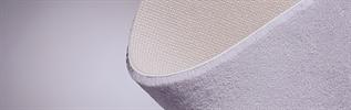 Stitch bonded nonwoven fabric