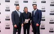 Benjamin Mayer (left) and Sebastian Mayer (right) receiving the Top 100 award from Ranga Yogeshwar