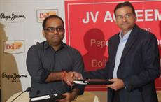 (L to R) Kavindra Mishra, MD, Pepe Jeans India Limited & Vinod Kumar, MD, Dollar Industries Ltd