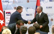 Serbian economy minister Goran Knezevic (left) and Taypa president Mesut Toprak after signing the MoU. Courtesy: Serbian Government/SeeNews