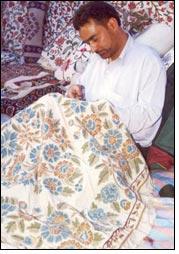India Kashmiri Handicrafts Important For J K Economy Textile
