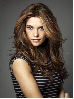 Twilight's Ashley Greene becomes DKNY brand ambassador