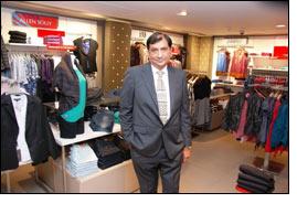 India Madura Fashion Opens First 39 Planet Fashion Grande 39 Store Apparel News India