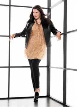 Women's plus apparel retailer unveils new Lane Collection