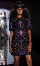 Manish Arora line mesmerizes audience at WLFW Grand Finale