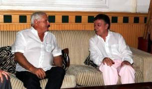 Mr. Martinelli (L) and Mr. Santos (R)