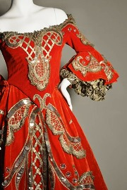 Marie Antoinette dress/Gina Grafos