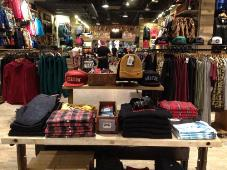 Burton Snowboards opens two new partner stores in US