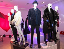 Splash winterwear reflects prominent shades of class