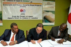L-R: Clarke, Takes & Evans/Jamaica Observer