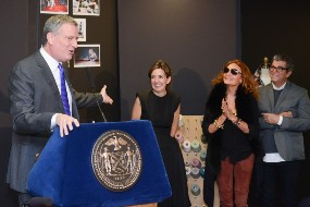 NY Mayor names winners of $3mn fashion initiative grant