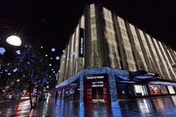 House of Fraser online sales zoom 41% in FY'14