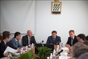 Governor Bocharov (C) at the meeting