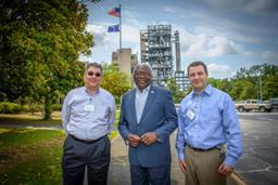 Congressman Clyburn visits DAK textile manufacturing unit