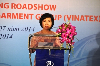 Ms. Ho Thi Kim Thoa speaking at Roadshow/c: Vinatex