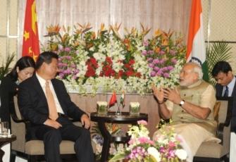 Mr. Jinping (L) with Mr. Modi/c: narendramodi.in