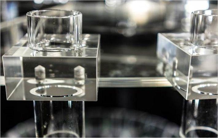 Acrylic knitting machine/C: Groz-Beckert