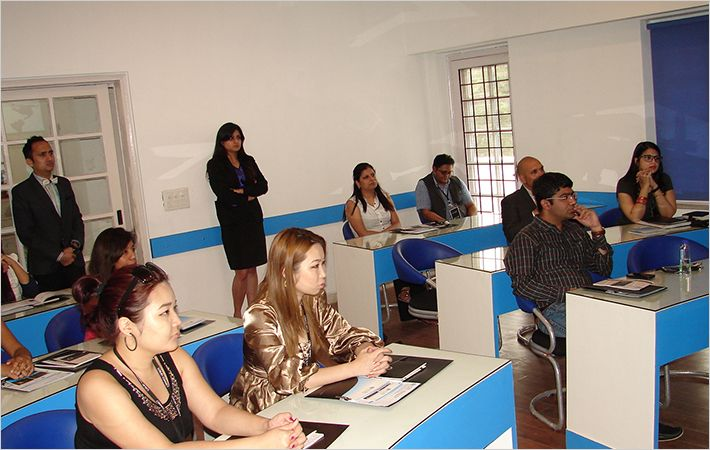 B-School courses in fashion & luxury retail management