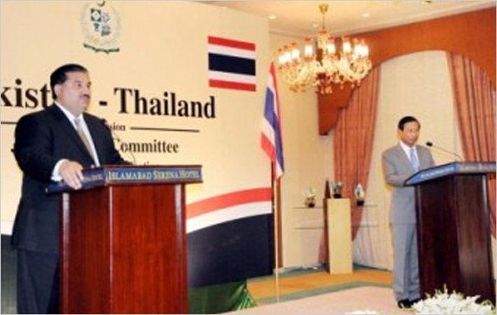 Dastgir Khan (left) & Thai minister Sarikulya/C: PID