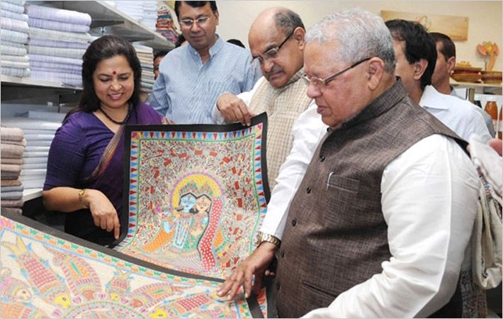 Kalraj Mishra at Khadi Utsav exhibition/Courtesy: PIB