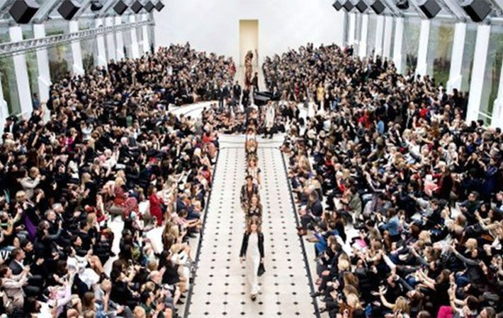 Burberry to sell clothes just after show