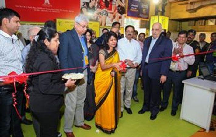 Kavita Gupta inaugurating the fair