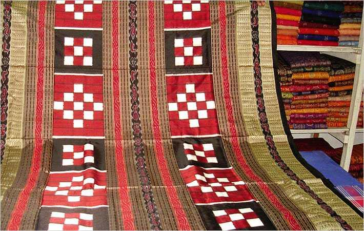 Now, govt tries to link textiles sector with tourism