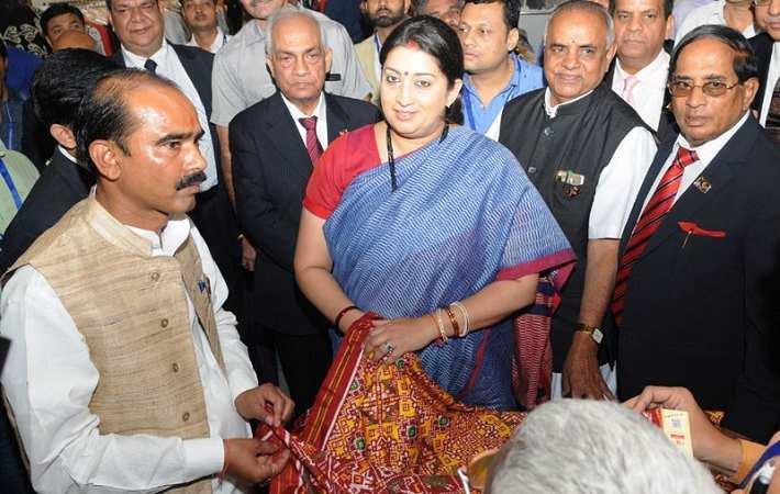 Union minister of textiles Smriti Irani at the inauguration of India International Silk Fair. Courtesy: Press Information Bureau