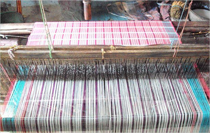 Govt plans to converge insurance schemes for weavers