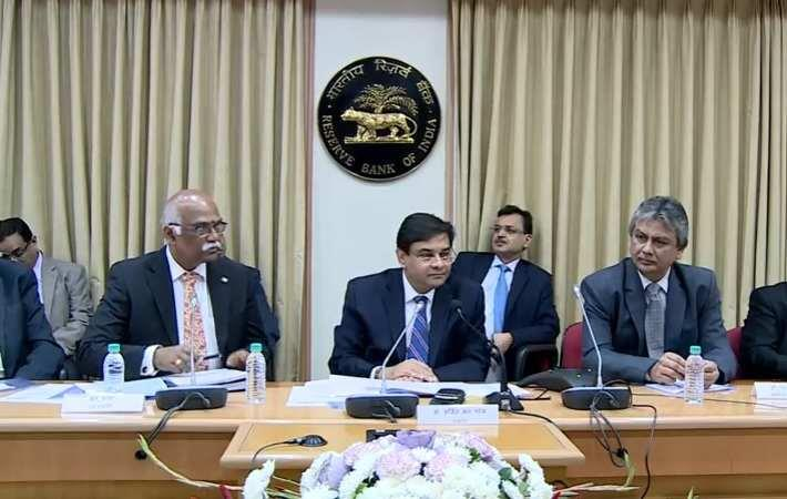 RBI Governor Urjit Patel and other officials addressing a press conference. Courtesy: Youtube
