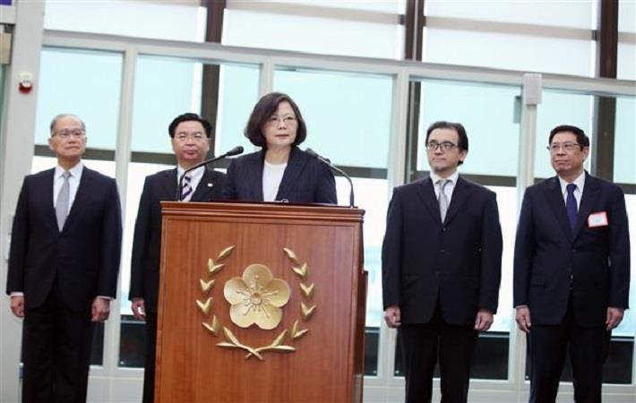 President Tsai Ing-wen delivering remarks before boarding her plane bound for Central America. Courtesy: Presdient's office