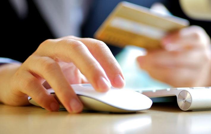 China prepares draft law to regulate e-commerce