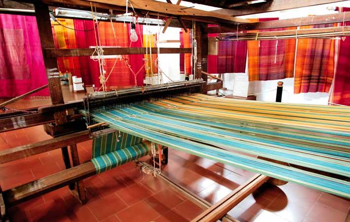 Bangladeshi PM assures full support to weaving sector