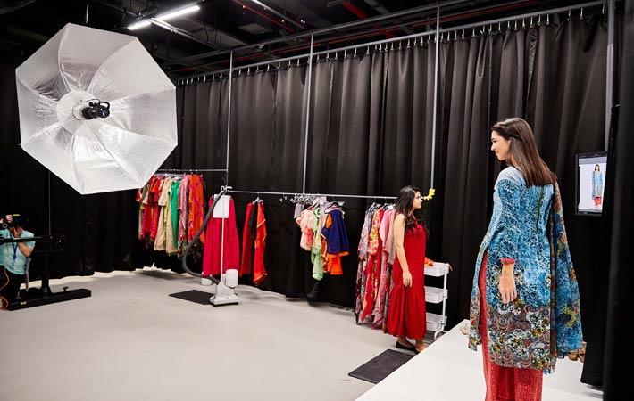 India Amazon India Opens First Fashion Studio Blink Fashion News India