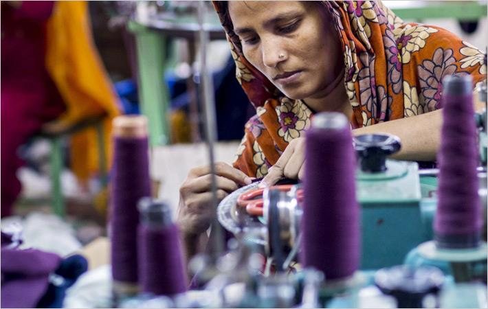 Pak textile exporters want reduced gas, electricity tariff