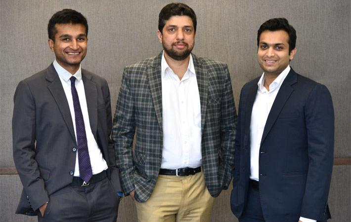 L-R: Surya Ajay Agarwal (Director - Donear), Vikram Mahaldar (MD - OCM) & Rahul Rajendra Agarwal (Director - Donear)