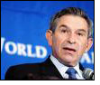 Wolfowitz receives socks from Langsha