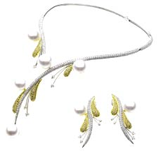 Delectable combination of pearls & diamonds by Paspaley
