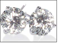 Moissanite – smart gift on Valentine's Day