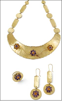 Textured gold finish adds new dimension to jewellery, WGC