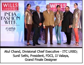 Atul Chand, Divisional Chief Executive - ITC LRBD; Sunil Sethi, President, FDCI, JJ Valaya, Grand Finale Designer