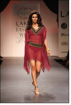 Nandita unveils Bohemian line at Lakme Fashion Week