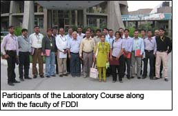 Participants of the Laboratory Course along with the faculty of FDDI