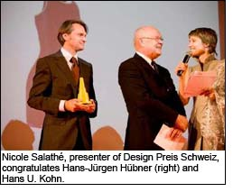 Nicole Salathé, presenter of Design Preis Schweiz, congratulates Hans-Jürgen Hübner (right) and Hans U. Kohn.