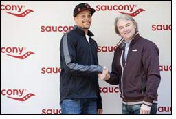 Saucony signs sprinter star Wallace Spearmon Jr.