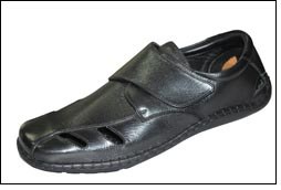 Now men can walk in style with Aero-Lite