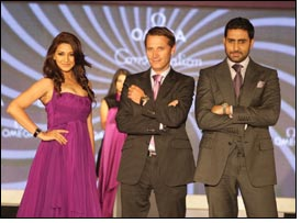 Abhishek Bachchan & Sonali Bendre unveil New Constellation