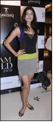 Tanishq launches Glam Gold 2010 Collection
