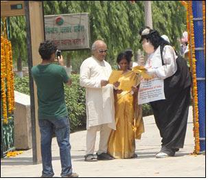 Road show popularizes 'Silk Mark' among tourists in Varanasi