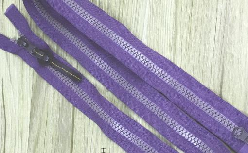 Measuring-zippers-colour-fastness_small